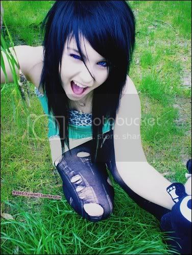 Emo Girls Pictures, Images and Photos